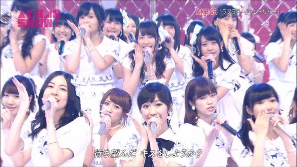 AKB48SHOW! 36人ラブラドール・レトリバー 渡辺麻友 (9)_R