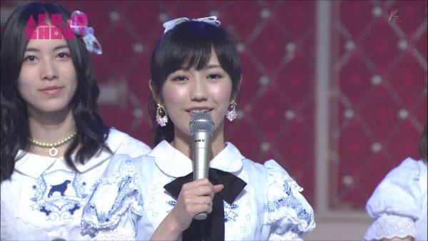 AKB48SHOW! 36人ラブラドール・レトリバー 渡辺麻友 (1)_R