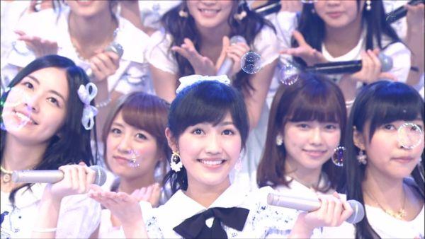 AKB48SHOW! 36人ラブラドール・レトリバー 渡辺麻友 (19)_R