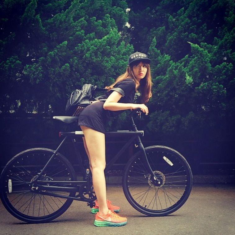 小嶋陽菜 nike サイクリング