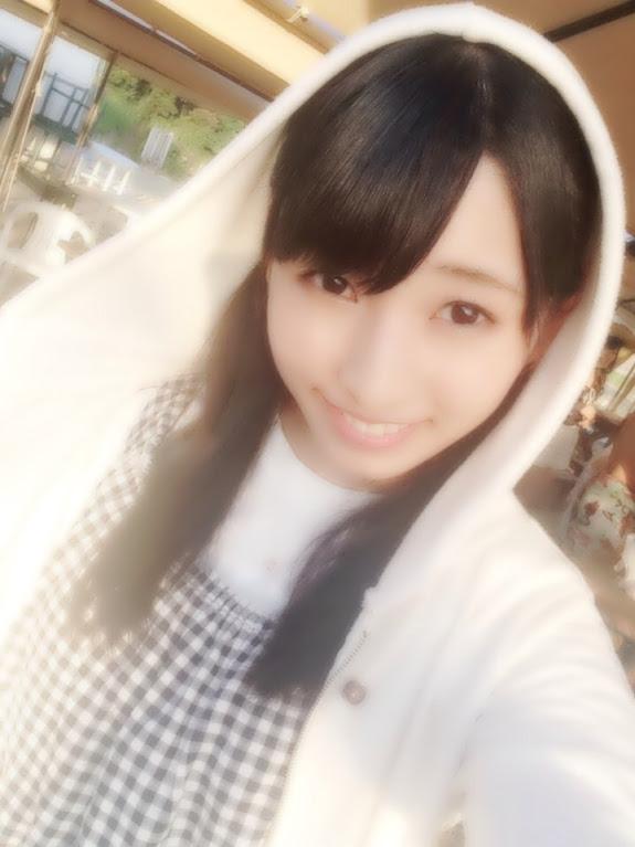 AKB48新聞 HKT48  8人で海 (4)