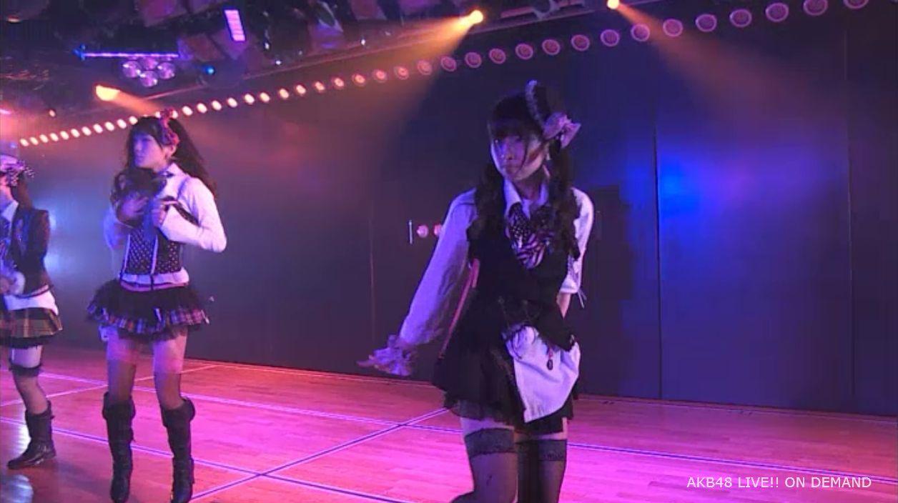AKB48岡田奈々 口移しのチョコレート (12)