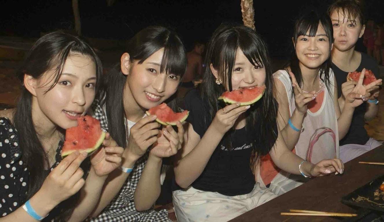 AKB48グループ新聞8月号 (8)