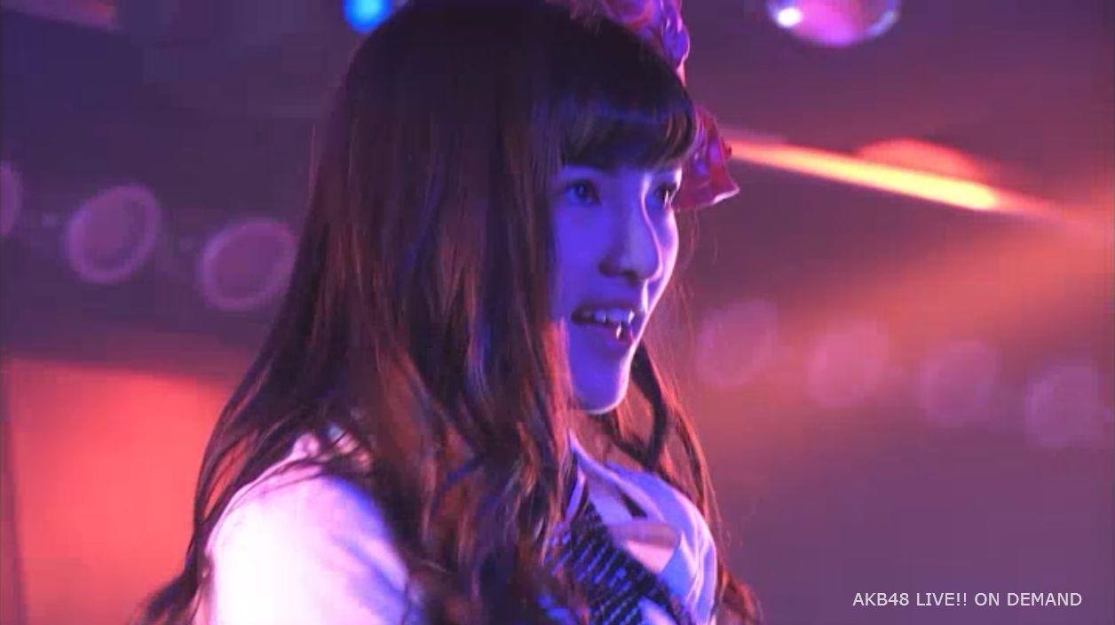 AKB48岡田奈々 口移しのチョコレート (49)