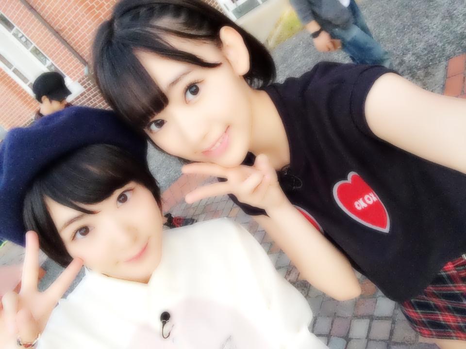 宮脇咲良×生駒里奈 AKBとXX  (1)