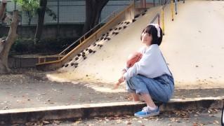 宮脇咲良 80s (2)