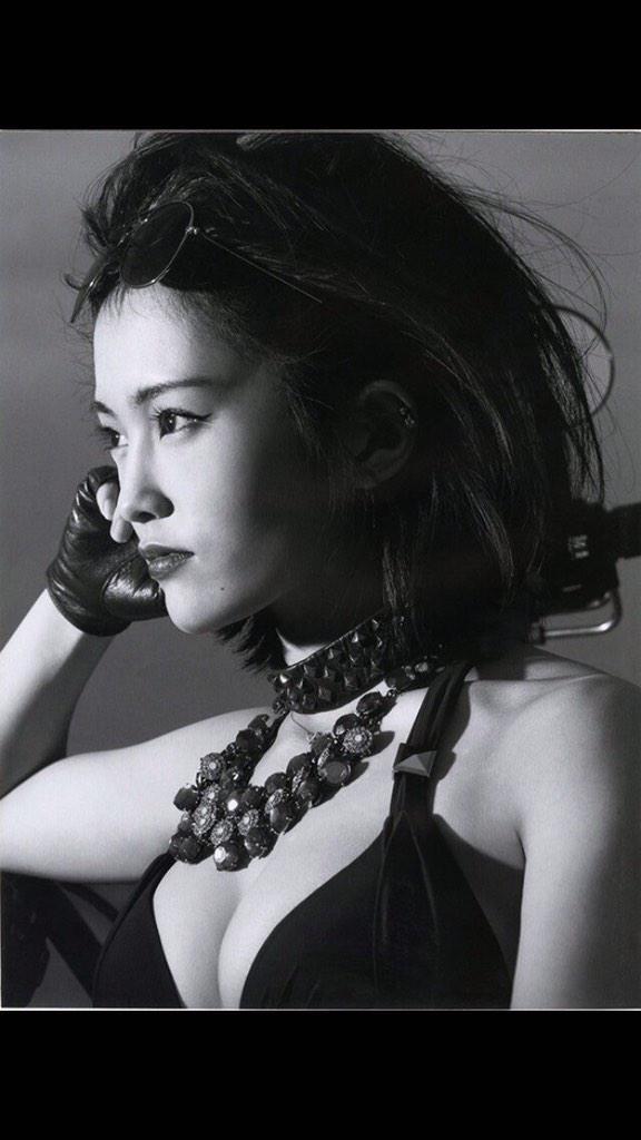 山本彩 2nd写真集「SY」 (1)