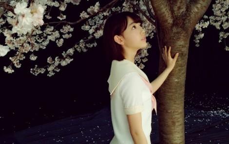 宮脇咲良 ヤングジャンプ オフショット (2)