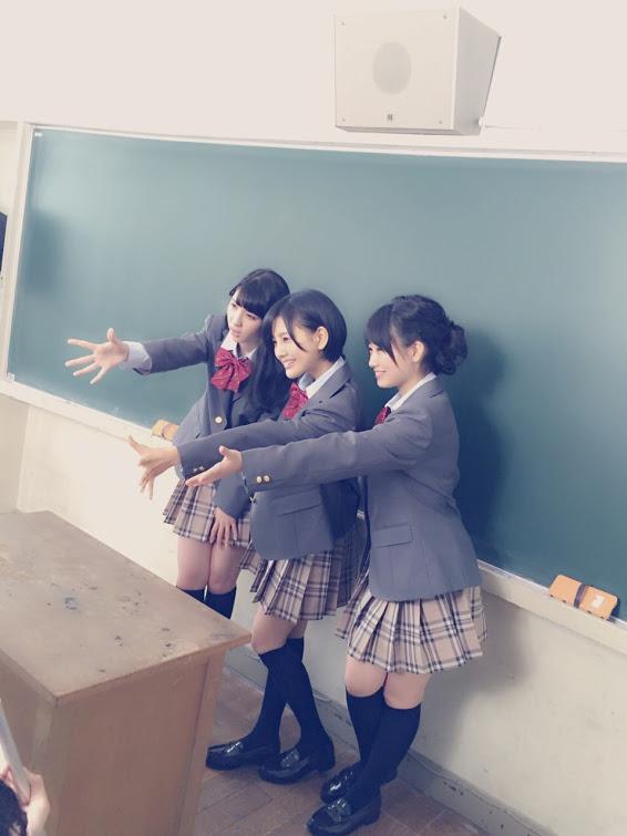 兒玉遥 朝長美桜 松岡菜摘 指原莉乃 ヤングマガジン2015年5月4日号  (1)