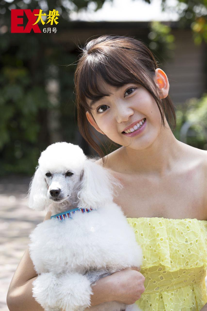 宮脇咲良EX大衆オフショット水着グラビア (4)