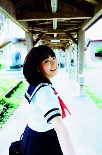 宮脇咲良ファースト写真集『さくら』の予約がAmazon楽天で受付開始中!発売記念イベントは握手会