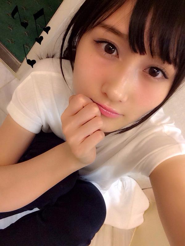矢倉楓子 自撮り2