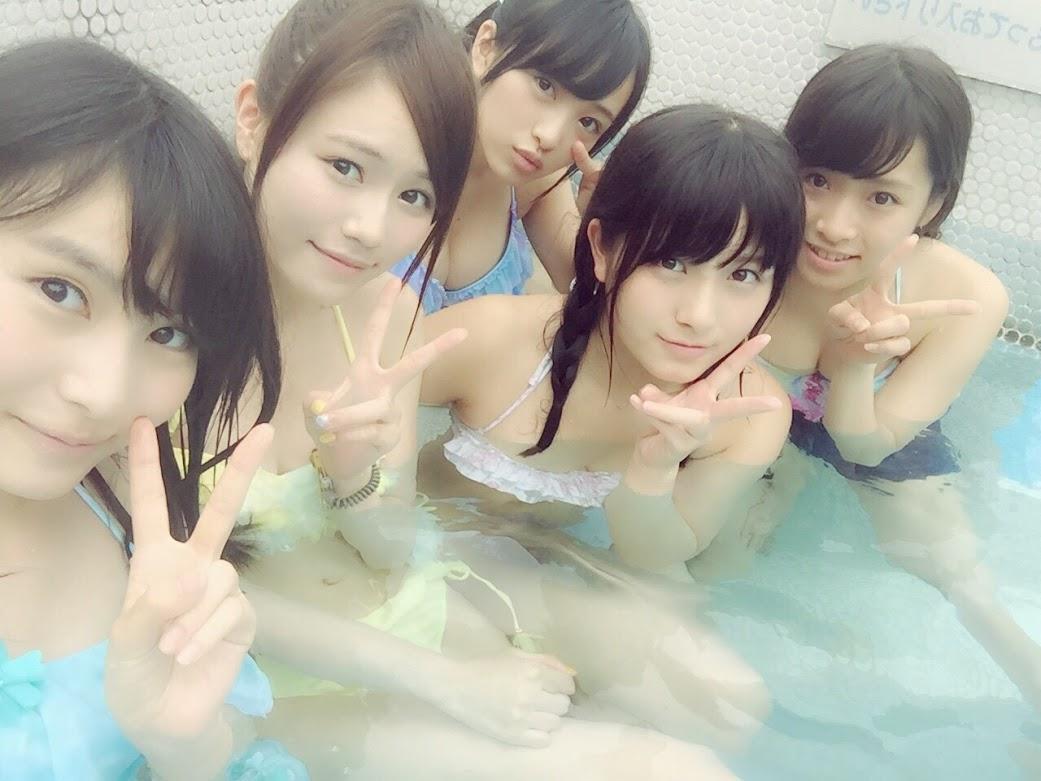 AKB15期生で水着プールが桃源郷 向井地美音 大和田南那 込山榛香   (2)