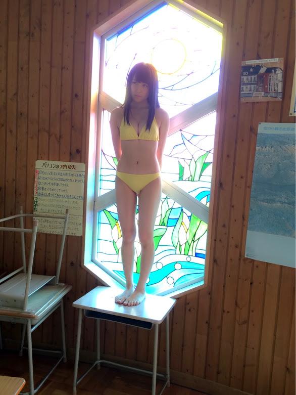 川本紗矢 ヤングジャンプ2015年9月3日号 水着&オフショット  (2)