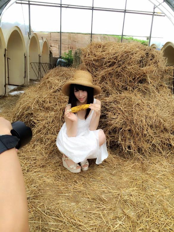 川本紗矢 ヤングジャンプ2015年9月3日号 水着&オフショット  (1)