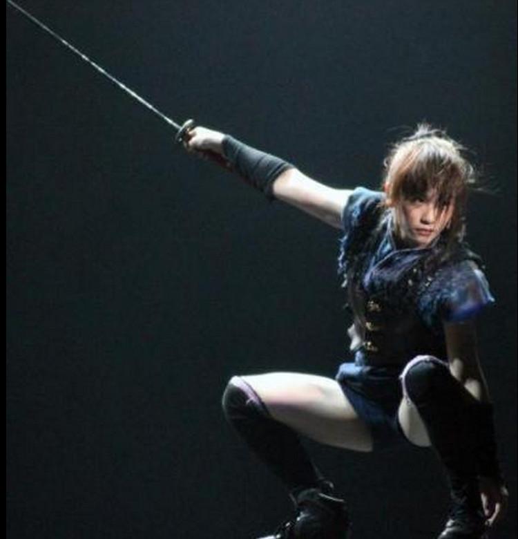 りっちゃん川栄里奈の主演舞台AZUMI成功して良かったね