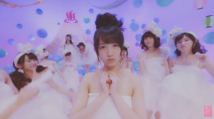 MVの加藤玲奈すごいw 恋をすると馬鹿を見る [AKB48チームB銭湯] (6)