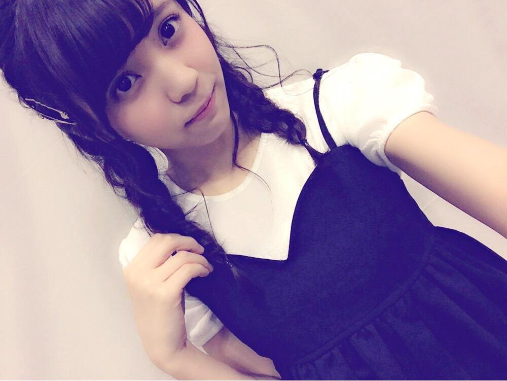 ゆいぽん(小林由依)の三つ編み髪型が可愛いよぉぉお![欅坂46 握手会 服装] (2)